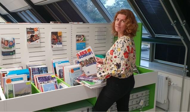 Als coördinator van het Digi-Taalhuis heeft Melanie Mul dagelijks te maken met laaggeletterdheid. Gelukkig zijn er verschillende mogelijkheden om mensen met dit probleem te helpen. Foto Robbert Roos
