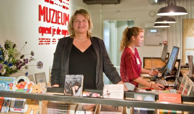 Heleen Vermeulen is trots op wat ze op de nieuwe locatie van het muZIEum allemaal al hebben weten te bereiken. (Foto: Maaike van Helmond)