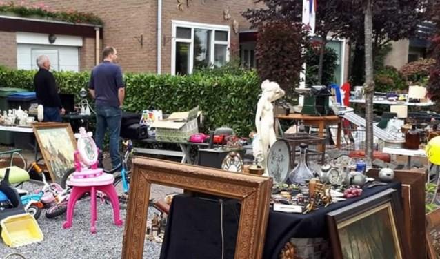 De stilte voor de storm. Eigenlijk als een normale zondagmorgen in Heerle. Echter liep het 's middags vol tijdens de Garage Sale.