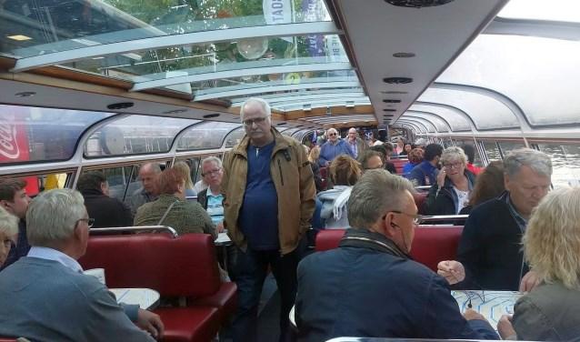 Een rondvaart over de Amsterdamse grachten en een blik achter de schermen bij Schiphol: de biljarters maakten er een leuke dag van.