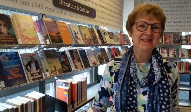 """Diana Kiesenberg: """"In een leesgroep heb je ontzettend mooie gesprekken, Je ontmoet mensen met dezelfde interesses. Echt een verrijking."""" Foto: Jenny ter Maat"""