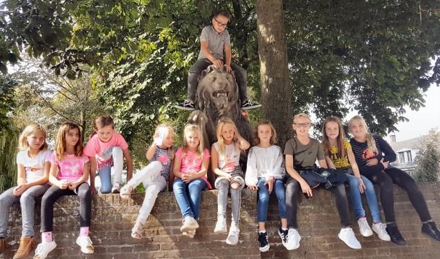 Groep 5/6 tijdens Klassen Monumentendag. Foto: Rolf Plender