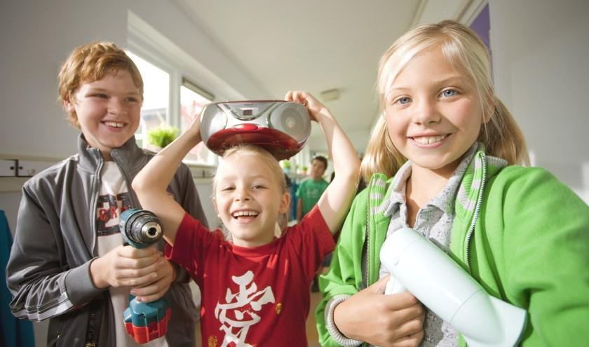 Om 3 gouden sterren te krijgen, zamelt de school minimaal 250 kleine apparaten in. (Foto: Wecycle)