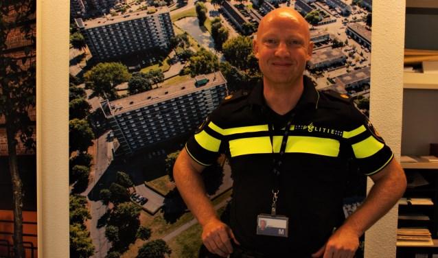 """Als wijkagent in Den Bosch noord heeft Marc de Wit volop te maken met de hoge werkdruk bij de politie die vooral te wijten is aan een gebrek aan capaciteit. """"Ik maak me echt zorgen over de toekomst."""""""