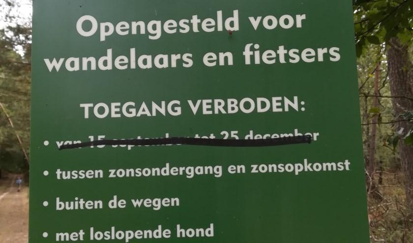 Niet alleen de Tweede Kamer, maar ook wandelaars en fietsers willen dat het Kroondomein open blijft tussen 15 september en 25 december.