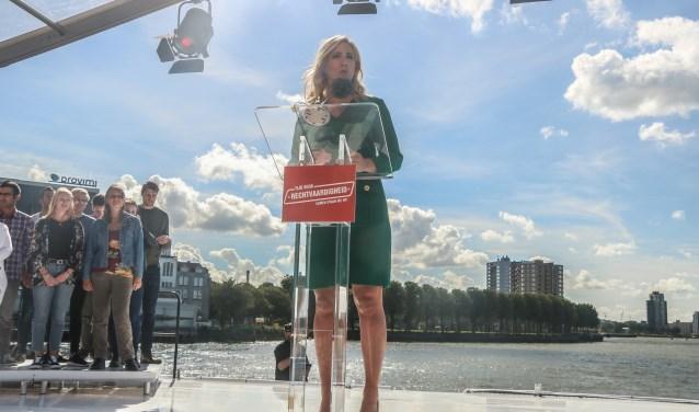 Lilian Marijnssen tijdens haar toespraak in Rotterdam