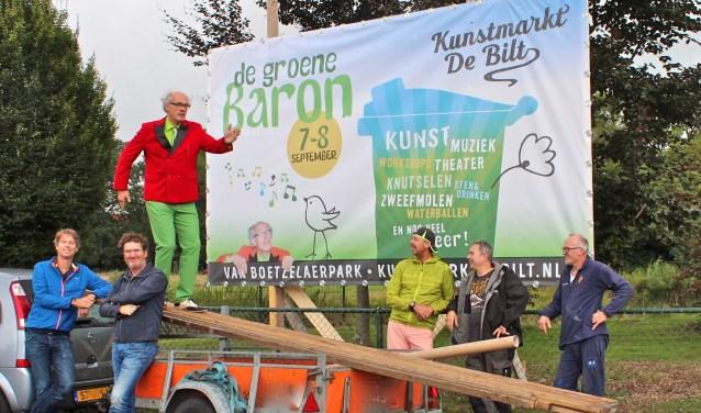 De organisatie: Niels Eijsbroek, Rick van Westerop, Bart van Gerwen, Bas de Jong, Dolf Wessels en Peter v/d Brink. FOTO: Els van Stratum
