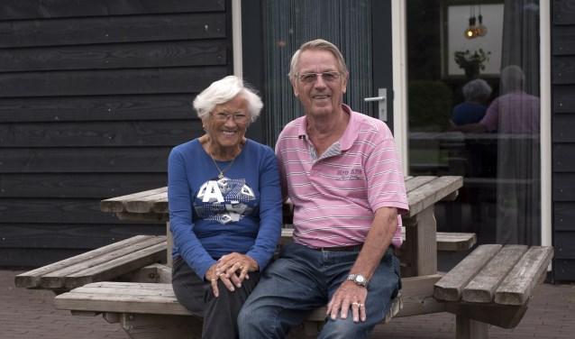 Ans en Jo Stenvert uit Tilburg komen ieder jaar met de caravan naar minicamping Larik's Hoeve om van de omgeving te genieten