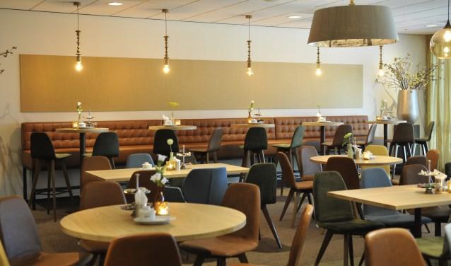 De totaal in Grand Café stijl gerenoveerde koffiekamer van GUV Crematorium