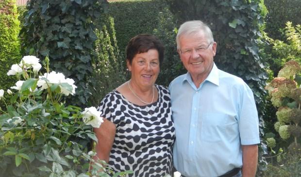 Het gouden bruidspaar Leo en Riet Aarts-Verhoeven in Vierlingsbeek.