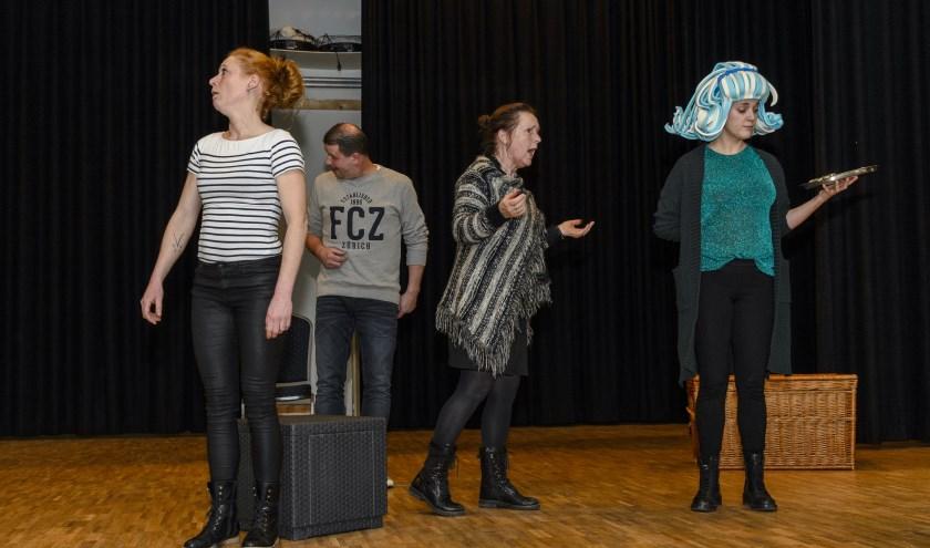 Toneelvereniging de Vriendenkring in Wintelre is klaar voor hun wintervoorstelling de IJsprinses die te zien is op 3, 9 en 10 februari in de Rosdoek in Wintelre
