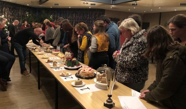 Het publiek kon de taarten alleen maar beoordelen op uiterlijk. Na de prijsuitreiking mocht het publiek de taarten zelf proeven.