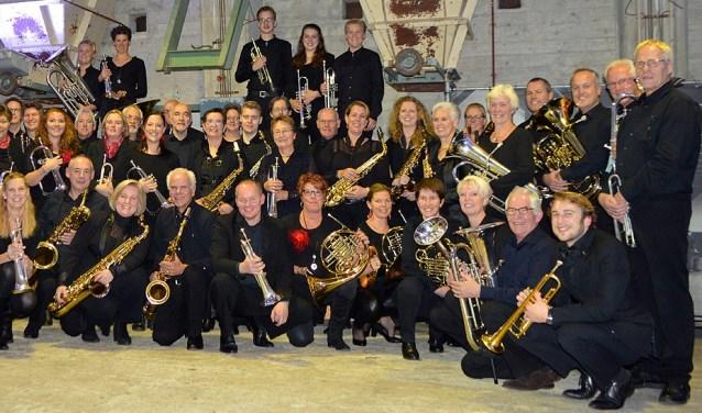 Een deel van de leden van Orkest SDG. Tekst: Ria van Vredendaal, eigen foto