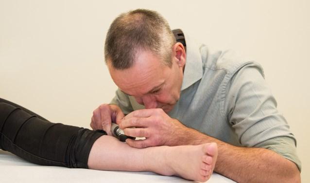 In 2018 onderzocht dermatoloog Peter Arnold uit Ziekenhuis Gelderse Vallei, patiënten in 3 huisartspraktijken in Renkum en Heelsum, samen met de huisarts.