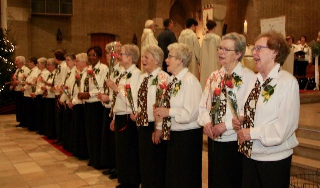 De gouden jubileumviering van het dameskoor.