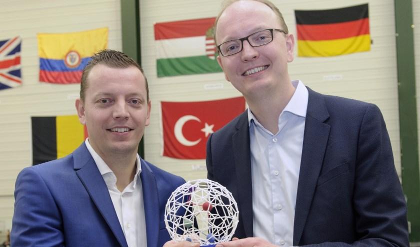 Jaap en Alex Duiker met de Parel Award
