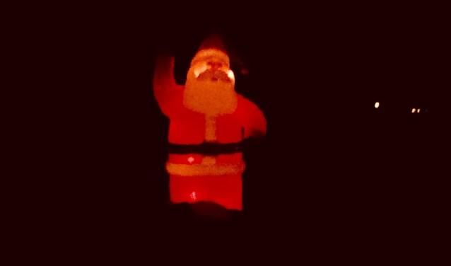 Lichtbaken in duisternis aan Leestenseweg.