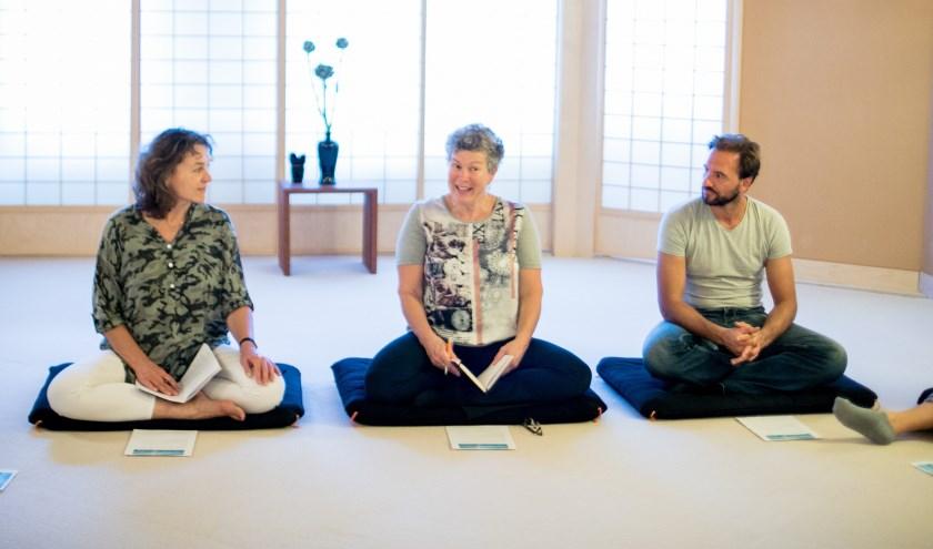 Zen is een praktische meditatietechniek, die als training te vergelijken is met mentale fitness.