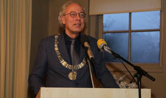 Zaterdag 12 januari gaf burgemeester Victor Molkenboer een speech tijdens de nieuwjaarsreceptie van de gemeente. FOTO: Alex de Kuijper