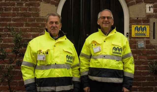 Ton Raes en Frans van Iersel zijn al vijf jaar de kartrekkers van Buurtpreventie Vught. Samen met de andere vrijwilligers zorgen zij voor extra veiligheid en maken ze burgers attent op inbraakgevoelige situaties.