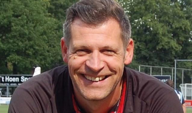 Sparta Enschede en hoofdtrainer Jeroen Niks gaan ook komend seizoen met elkaar door.