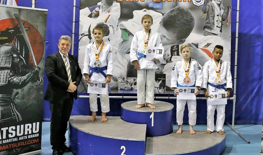 Judoka Tristan Cairo helemaal rechts. FOTO: JBN