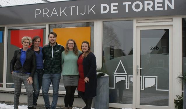 Het team van Praktijk de Toren voor hun nieuwe praktijk aan de Kerkstraat 24B in Kesteren.
