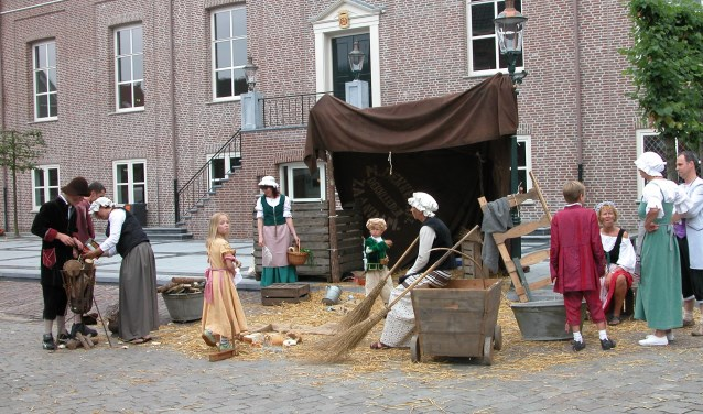 Tijdens Bourgondisch Heusden worden het kasteelterrein en de vestingwallen omgebouwd tot een (laatmiddeleeuws) cultureel en culinair festijn.