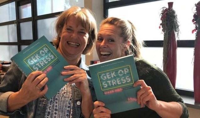 Carolien Hamming en Suzan Kuijsten presenteerden in oktober hun boek 'Gek op stress, maar niet altijd'.