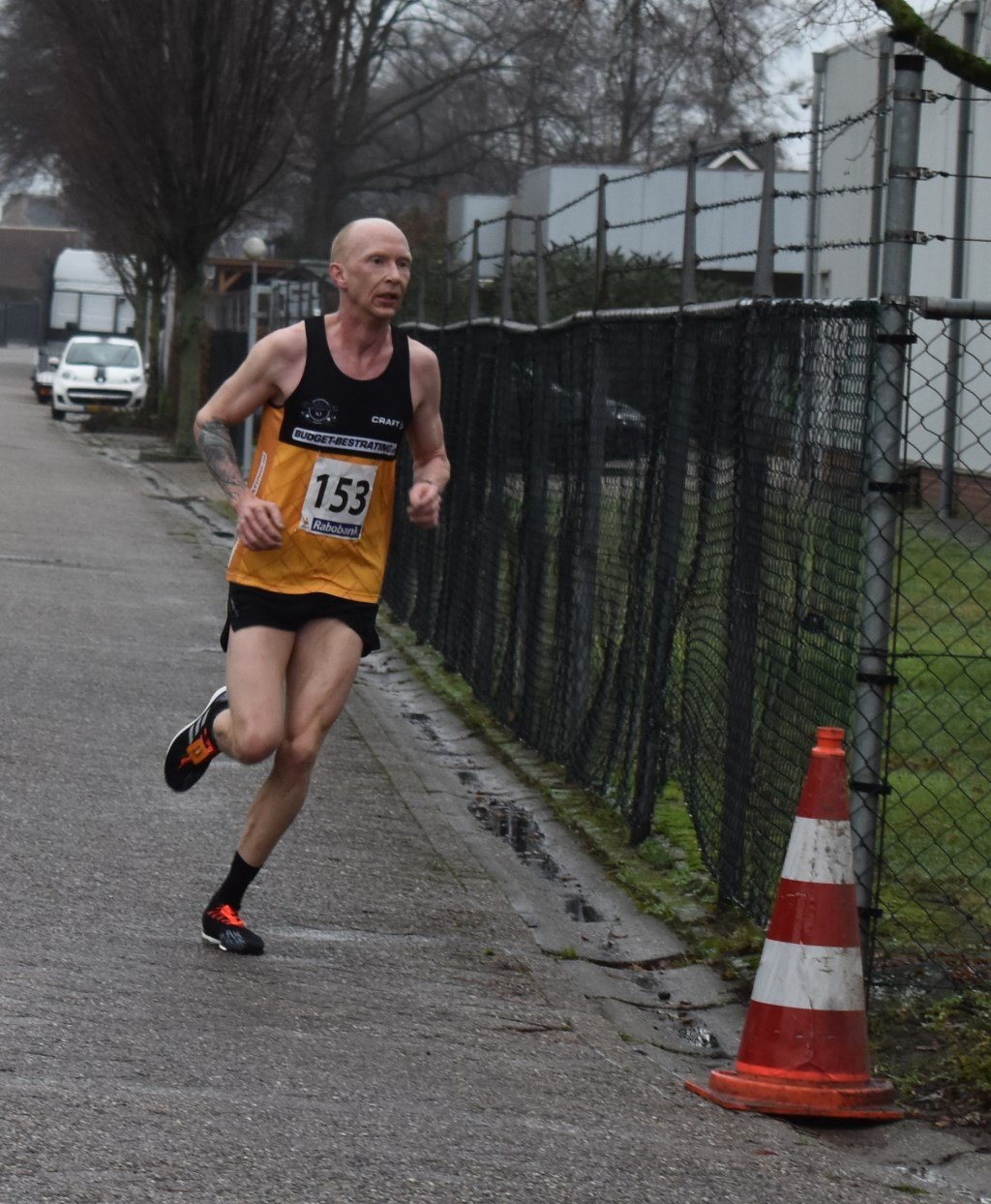 Winnaar bij de mannen op de tien kilometer is Henry Rutgers uit Noordscheschut (Drenthe) met een tijd van 33.15. Foto:  © Persgroep