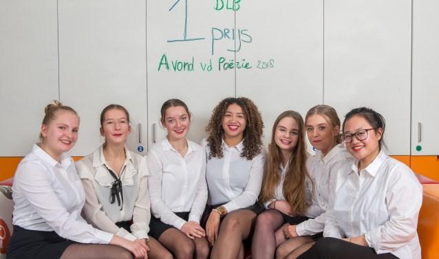 De winnaars: Van links naar rechts: Birgit Jaape, Nicole van Emmerloot, Isabel Goes, Valérie van der Sluijs, Deveney van Dijk, Roosmarijn Groen, Amandha Hasibuan