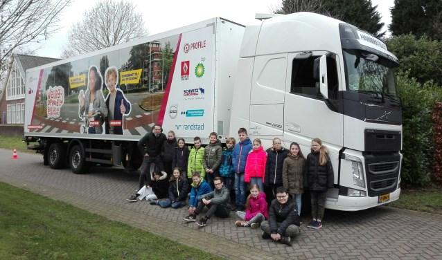 De 'Veilig op Weg'-truck bezocht 10 januari groep 7/8 van basisschool Effen, zodat de leerlingen zelf konden zien wat een dode hoek inhoudt.