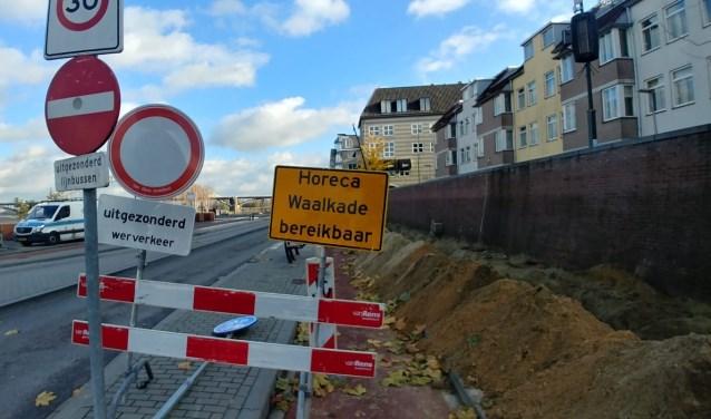Misschien nog niet voor te stellen maar na een grote metamorfose ziet de Waalkade er een stuk groener uit. (foto: in debuurt.nl/nijmegen)