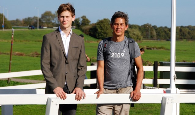 Vader en zoon Stefan en Moos strijden voor Stichting 2109. Wereldwijd krijgt iedere 7 seconden iemand de diagnose dementie. Foto: Rien Vlug