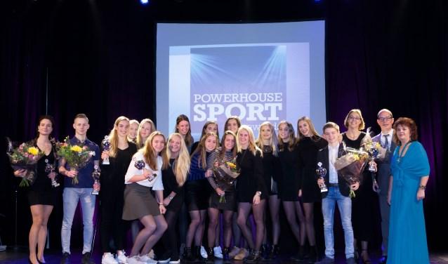 Alle winnaars van de Powerhouse Sport Awards 2017 op een rij. Op de foto ontbreekt alleen zwemtalent Laura van Engelen. Foto: Ad de Visser