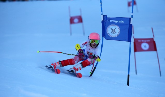 De Zwijndrechtse Skiër Inge Meijer is derde geworden op de internationale FIS skiwedstrijd in Ricky Orlickych in Tsjechië. (FOTO: privé)