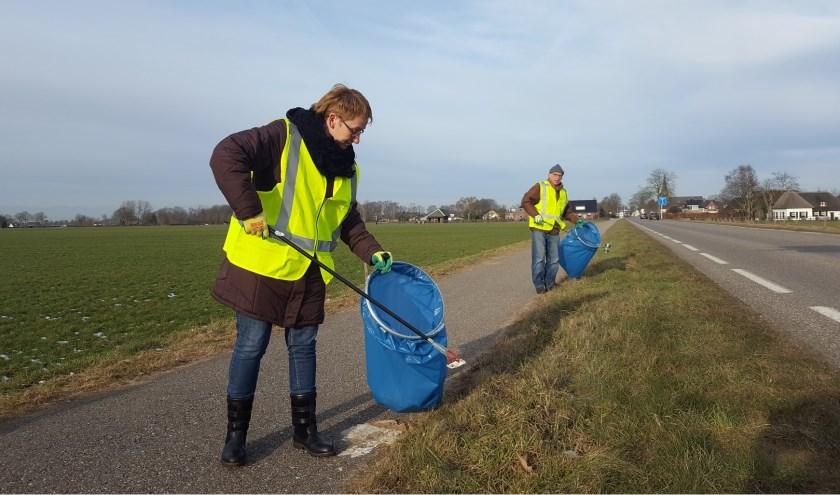 ''Wil je ook meehelpen bij het opruimen van zwerfafval in Buurmalsen? Stuureen mailtje naar afvalbrigadebm@ziggo.nl.''