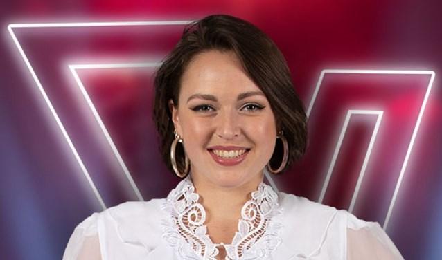 Sanne van Veen, beter bekend onder haar artiestennaam Jackie Lou, in nog in de race bij The Voice of Holland. Foto: PR