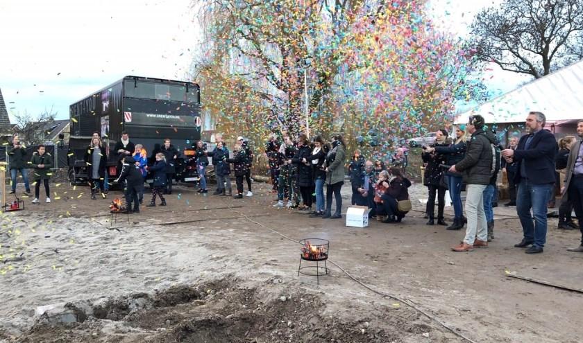 De strat van d ebouw werd feestelijk verricht (Foto: PR)