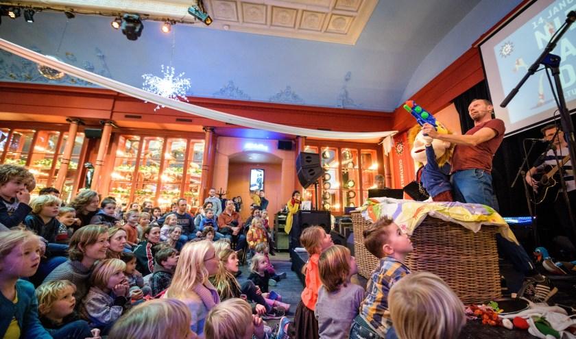 De Culturele Zondag Nieuwjaarsduik in 2018 werd een groot succes. Ook dit jaar staat er weer veel op stapel. Foto: Jelmer de Haas