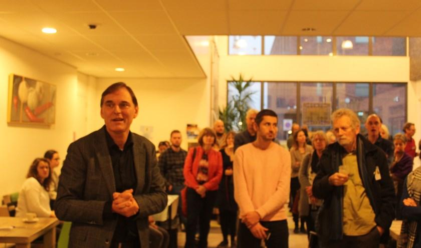 Directeur-bestuurder Jan Willem Voogd bedankt tijdens zijn toespraak de vrijwilligers voor hun inzet. FOTO: Rutger van den Hoofdakker