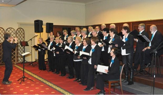 Koor Volluid wordt gedirigeerd door Anne-Marie Jansen-Hoefeijzers.