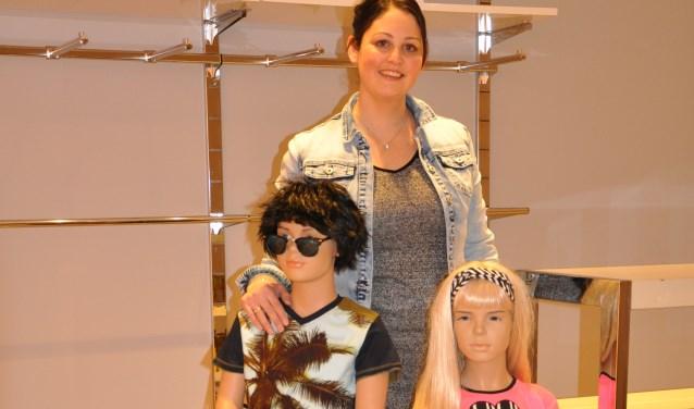 """Marijke Looman-Temmink in haar nieuwe kinderkledingwinkel: """"Ik wilde al heel lang iets voor mezelf beginnen."""""""