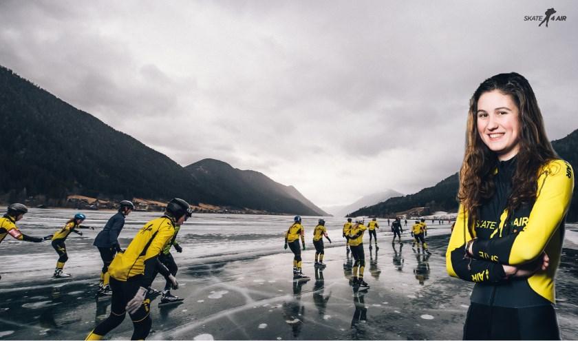 Op de Weissensee in Oostenrijk gaat Alicha (inzet) zaterdag 22 januari 50 kilometer schaatsen voor Skate4Air.
