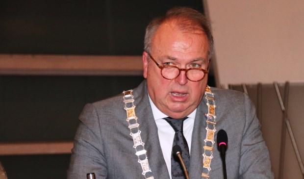 Burgemeester Peter van der Velden voorziet voordelen van de schaalvergroting voor de gemeente Hoeksche Waard. (foto: Conno Bochoven)