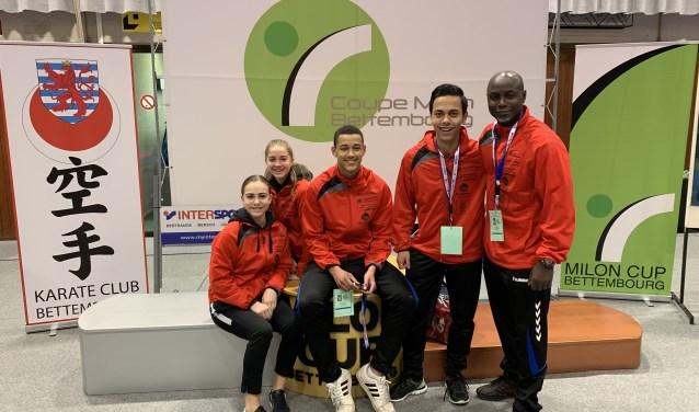De deelnemers aan de Millon Cup vlnr Selina Cicek, Jamie Bo Schaap, Fredericku Bedou, Matthew Martens en coach Frederic Bedou