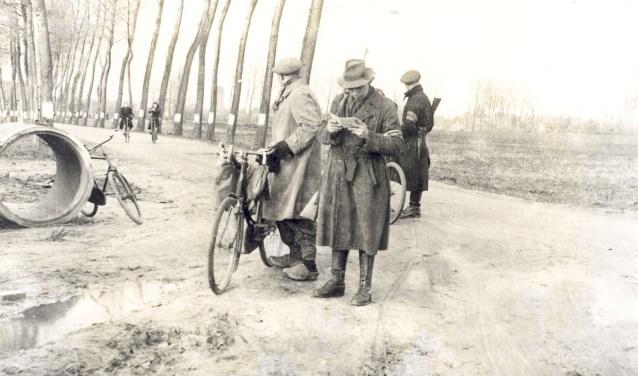 Orde Dienst (OD) in actie op de Schijndelseweg in Sint-Michielsgestel (fotocollectie BHIC). Het was één van de belangrijkste illegale organisaties tijdens de Tweede Wereldoorlog.