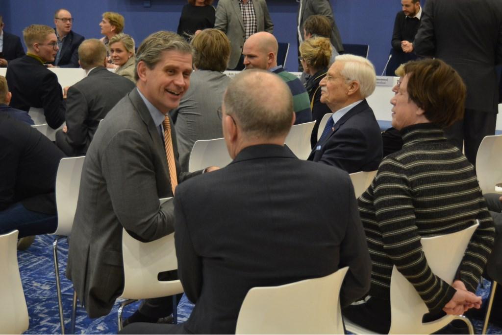 Oud burgemeesters bijeen: Piet Zoon op de rug, Wouter Kolff links en rechts Jaap Spros. (Alle foto's hierna: Pieter Vane)  © Persgroep