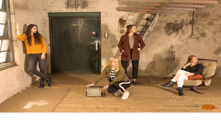 Undefined bestaat uit 4 jonge meiden uit Dongen, Waspik en Drunen die vierstemmig Engelstalige- en Nederlandstalige popmuziek vertolken.