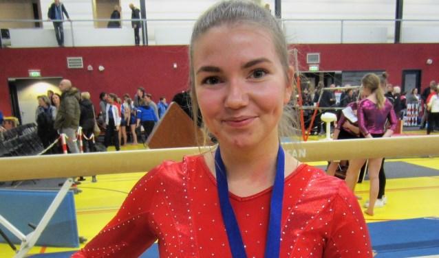 Stefanie Pameijer, succesvol turnster uit de selectie van DOS Sportief, is gekozen als boegbeeld voor de actie. (Foto: Cees van Cuijlenburg)